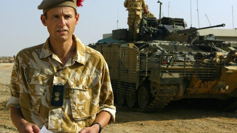 Illustration for article titled Egy tiszt végre fel mert lépni a hadsereg barbár szokásai ellen