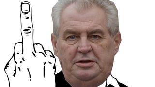 Illustration for article titled Ledobta a pina- és szarbombát a cseh elnök, majd elkúrásozott is egyet