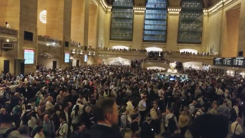 Illustration for article titled NYC's Grand Central Became A Madhouse The Moment Severe Weather Hit The City