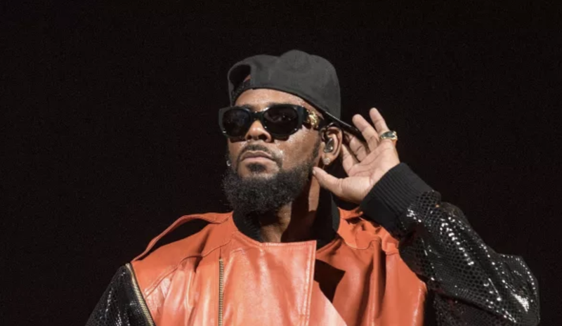Illustration for article titled Woman Sues R. Kelly, Charging Sexual Assault and Herpes Infection