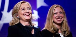 Hillary and Chelsea Clinton (Daniel Berehulak/Getty Images)