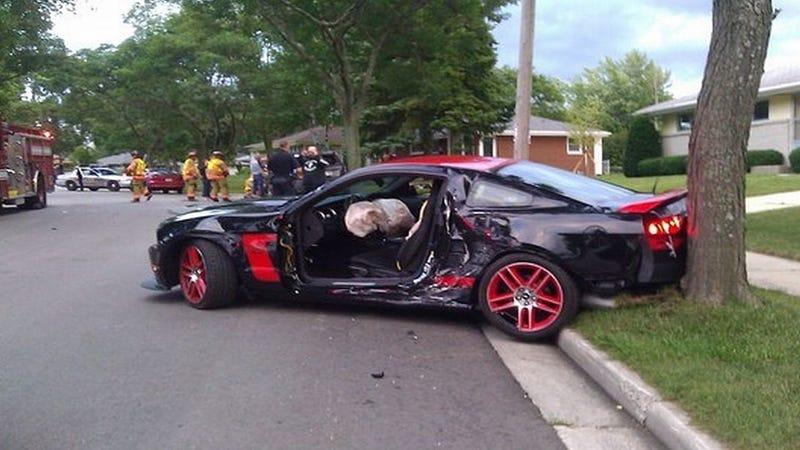 Ten beers an idiot and a Mustang Boss 302 Laguna Seca equal disaster