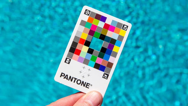 This $15 Rainbow Card Turns Your Smartphone Into a Highly Accurate Color Picker