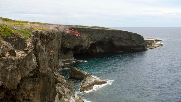Experts Caution New Car Loses 90% Of Value As Soon As You Drive It Off Cliff