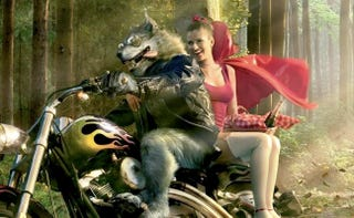 Illustration for article titled Amanda Seyfried To Get Her Red Hood Symbolically Dirtied Up By A Werewolf
