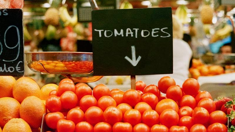 Illustration for article titled Awesome! This Sign Tells People Exactly Where The Tomatoes Are