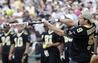 Illustration for article titled Drew Brees, Times-Picayune Leave The Yard In Entirely Different Ways