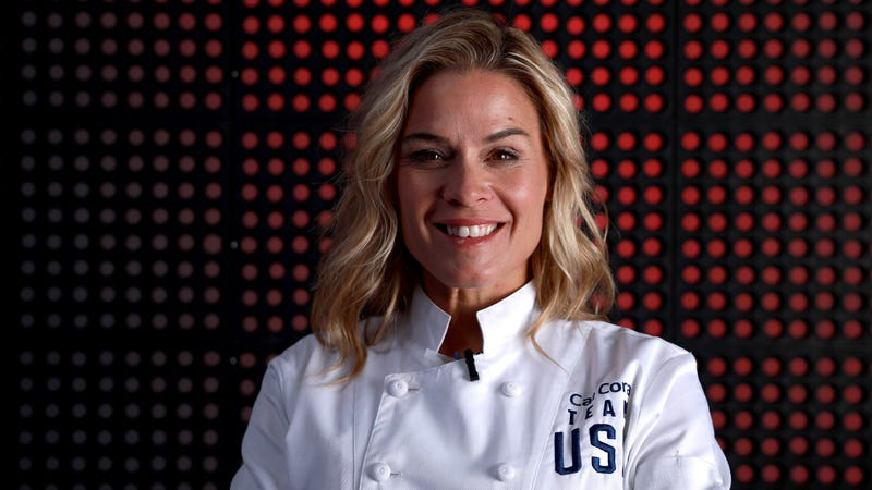 Illustration for article titled Iron Chef's Cat Cora and Alinea restaurant squabble online over reservation