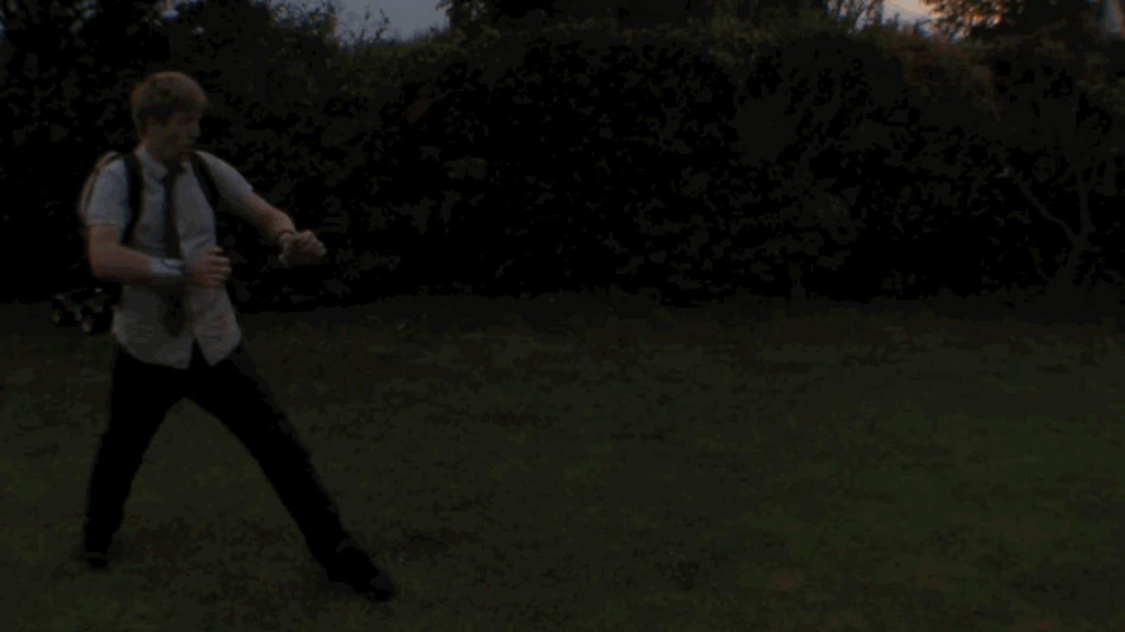 Las muñequeras lanzallamas perfectas para supervillanos caseros