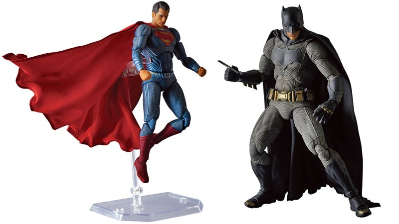 Illustration for article titled Check Out the Glorious Capes on These Batman v SupermanAction Figures