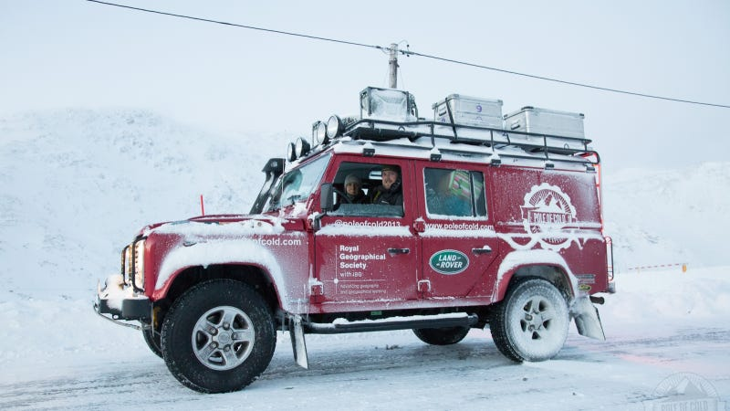 Illustration for article titled Land Rover Defender Survives 22,000 Mile Really, Really Cold Trip