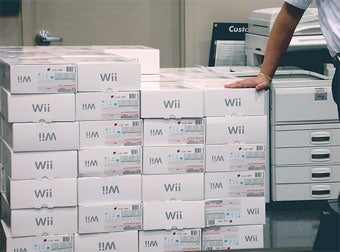 Illustration for article titled Report: Nintendo Scaling Back Wii Production