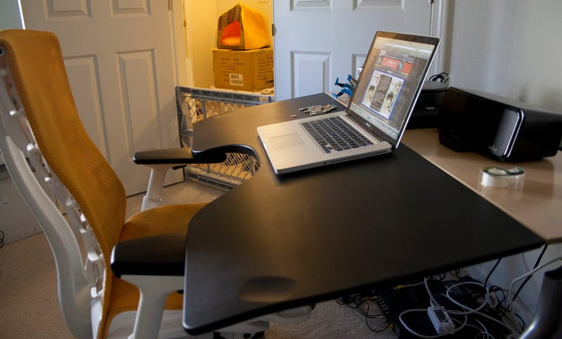 Review Herman Miller Envelop Reclining Desk