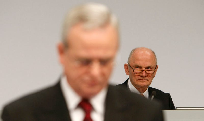 Illustration for article titled Volkswagen Chairman Piech Loses His Head In Bid To Take Winterkorn's