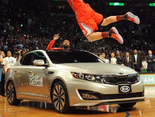 Illustration for article titled Car Blake Griffin Dunked Over Vows Revenge