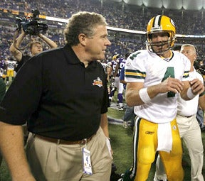 Illustration for article titled Peter King Forswears All Brett Favre Predictions, Immediately Makes Brett Favre Prediction
