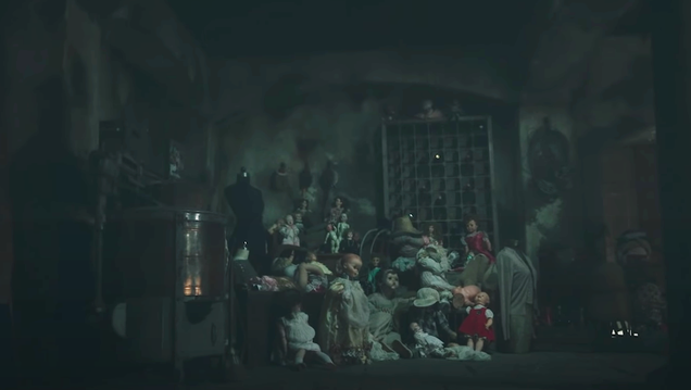The Haunting of Bly Manor s Trailer Reminds You Not to Leave Creepy Dolls Lying Around