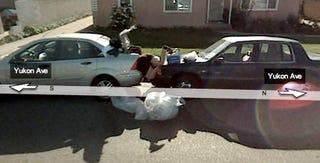 Illustration for article titled Google Street View Captures Automotive Improvisation