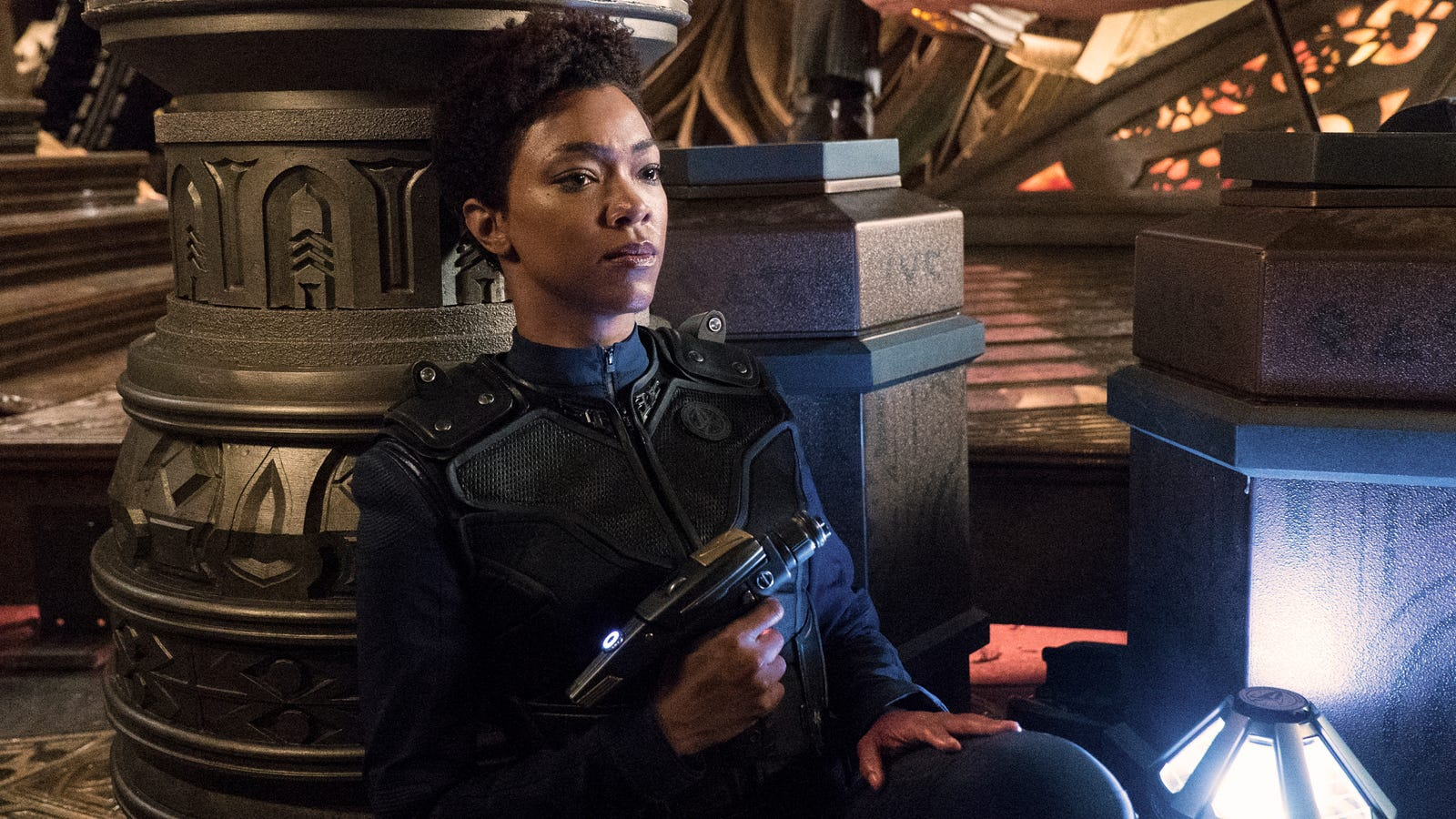 Star Trek Discovery Goes On Hiatus With A Bang And A Jump