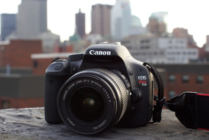 Illustration for article titled Canon Rebel T2i Review: This Should Be Your First DSLR