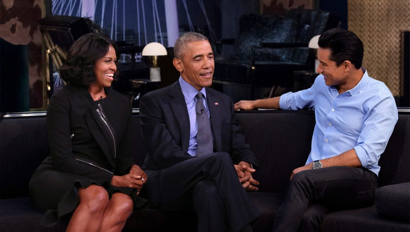 Illustration for article titled Obamas Reunited Live On TV For First Time Since Leaving White House