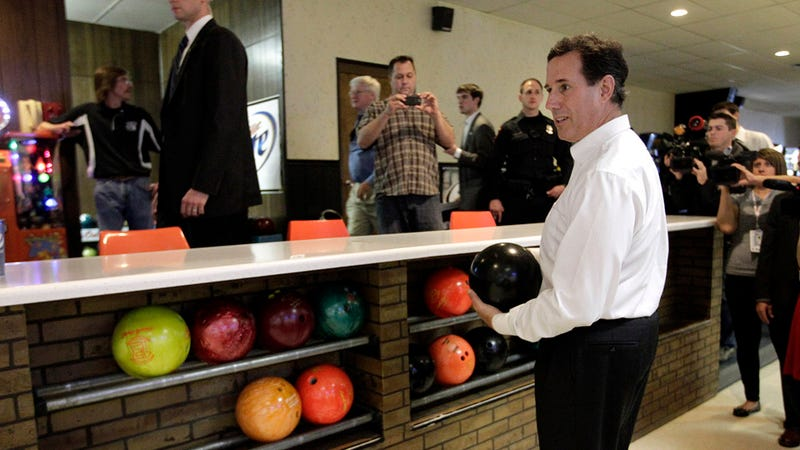 Illustration for article titled Ha, Rick Santorum Unwisely Decides to Fondle Some Balls