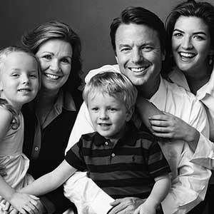 Illustration for article titled Is John Edwards Cheating On His Cancer-Stricken Wife?