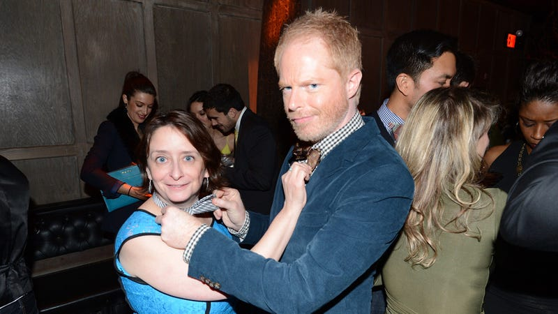 Illustration for article titled Jesse Tyler Ferguson and Rachel Dratch Adjust Each Other's Bow Ties