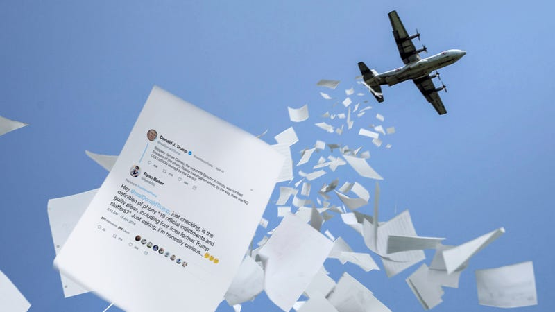 Illustration for article titled After An Island-Wide Blackout Left Millions Of Puerto Ricans Without Power, This Amazing Charity Air-Dropped Printouts Of The Most Epic Trump Takedowns On Twitter