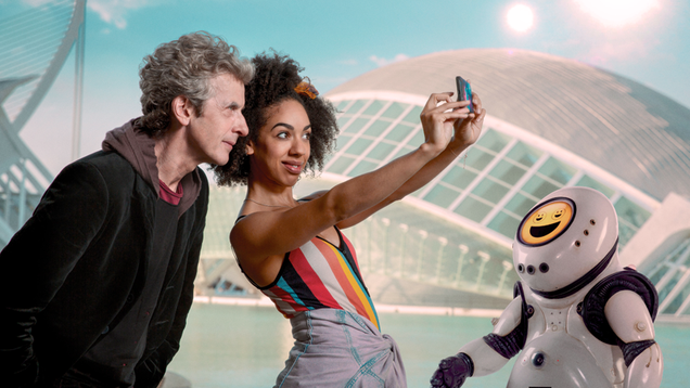 peter capaldi and pearl mackie are so good together they make even so so doctor who great