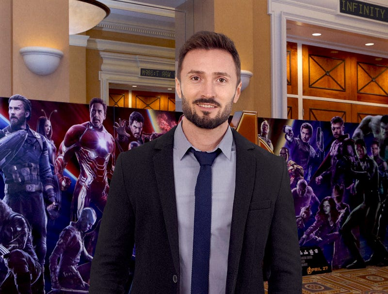 Illustration for article titled Super Fan Attends Screening Of 'Infinity War' Dressed As Marvel's VP Of Marketing