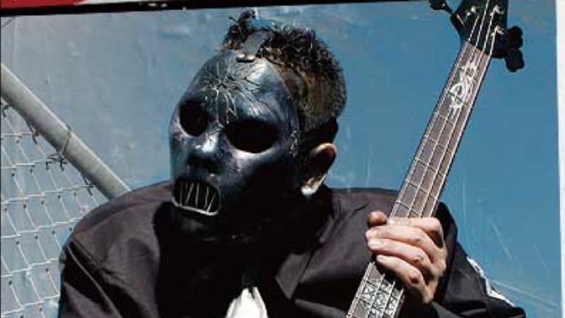 Illustration for article titled Slipknot bassist Paul Gray found dead in Iowa hotel room