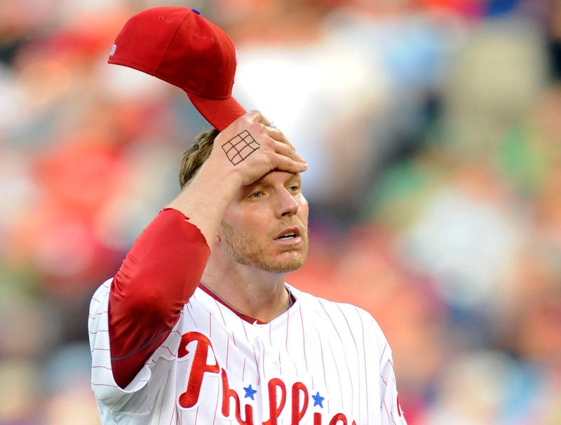 Illustration for article titled Roy Halladay Draws Strike Zone On Back Of Hand As Reminder