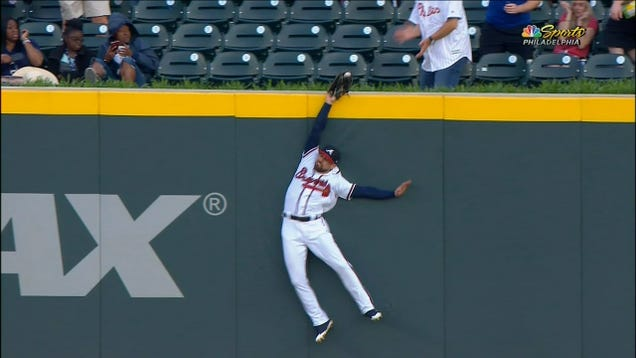 <div>Ender Inciarte's Home-Run Robbery Was So Good It Fooled The Phillies Announcer</div>