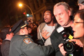 Protesters and police in NYC's Zuccotti Park on Nov 15 (Getty Images)