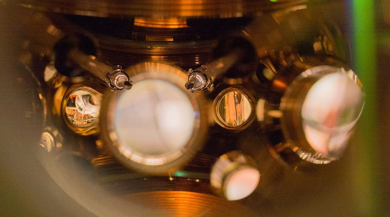 Reloj atómico óptico. Imagen: NIST