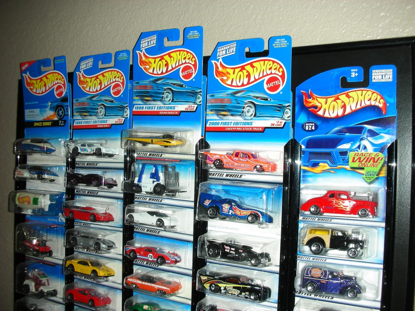 how do you store your hot wheels. Black Bedroom Furniture Sets. Home Design Ideas