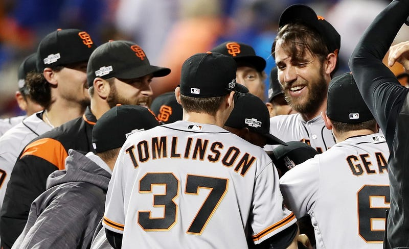 Bumgarner, Gillaspie lead Giants over Mets