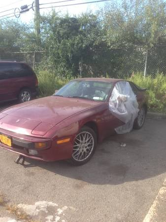 Illustration for article titled Craigslist Gem Find Of The Day: Porsche 944 Project Car