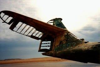 Illustration for article titled Abandoned Seaplane At Critical Intersection Of Planelopnik, Crash Week