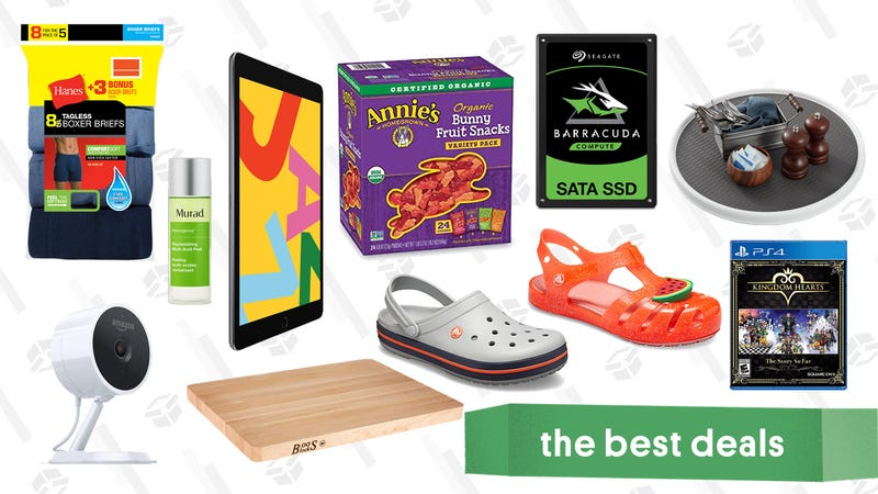 Illustration for article titled Friday's Best Deals: A Brand New iPad, Eddie Bauer, Annie's Fruit Snacks, Boos Block, and More
