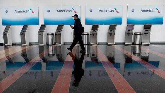 American Airlines Throws Out Social Distancing Measures During Pandemic