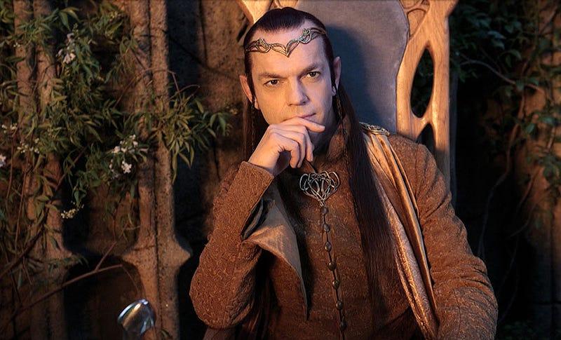 Hugo Weaving como Elrond en la trilogía de El Señor de los Anillos