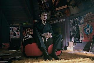 Illustration for article titled Dark Shadows Stills