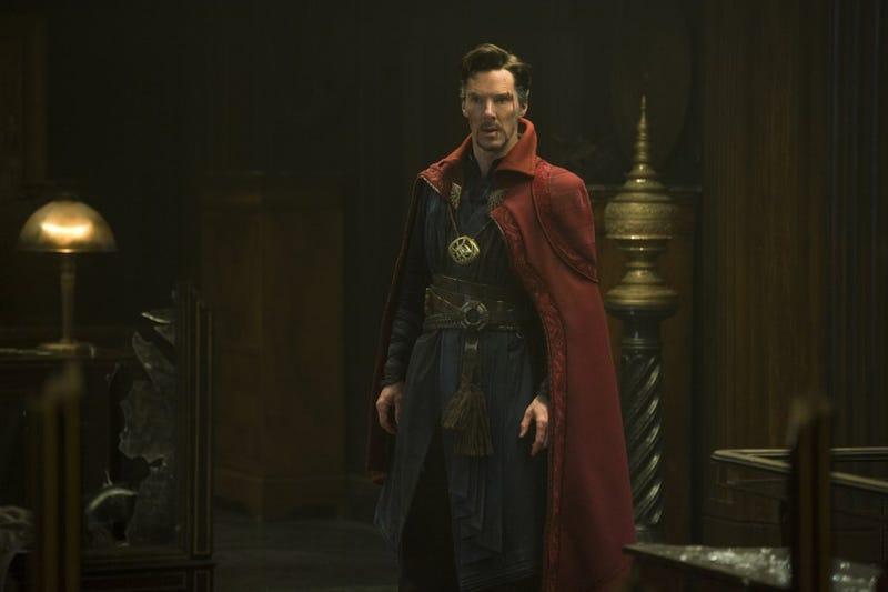 El Doctor Strange pensando en qué línea temporal dejó la estufa encendida.