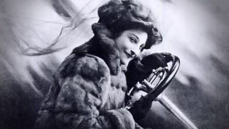 Illustration for article titled The Woman Who Taught Queens To Drive Set The Fastest Women's Speed Record