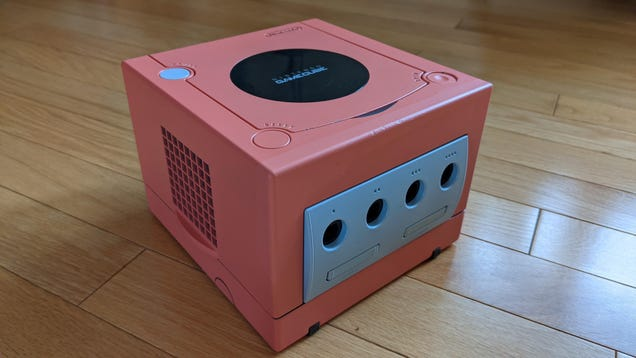 Don t Be Fooled: This Nintendo GameCube Is Actually a Powerful Gaming Rig