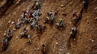 Illustration for article titled This 500-Bike Hare Scramble Up a Mine is the Most Bonkers Race Ever