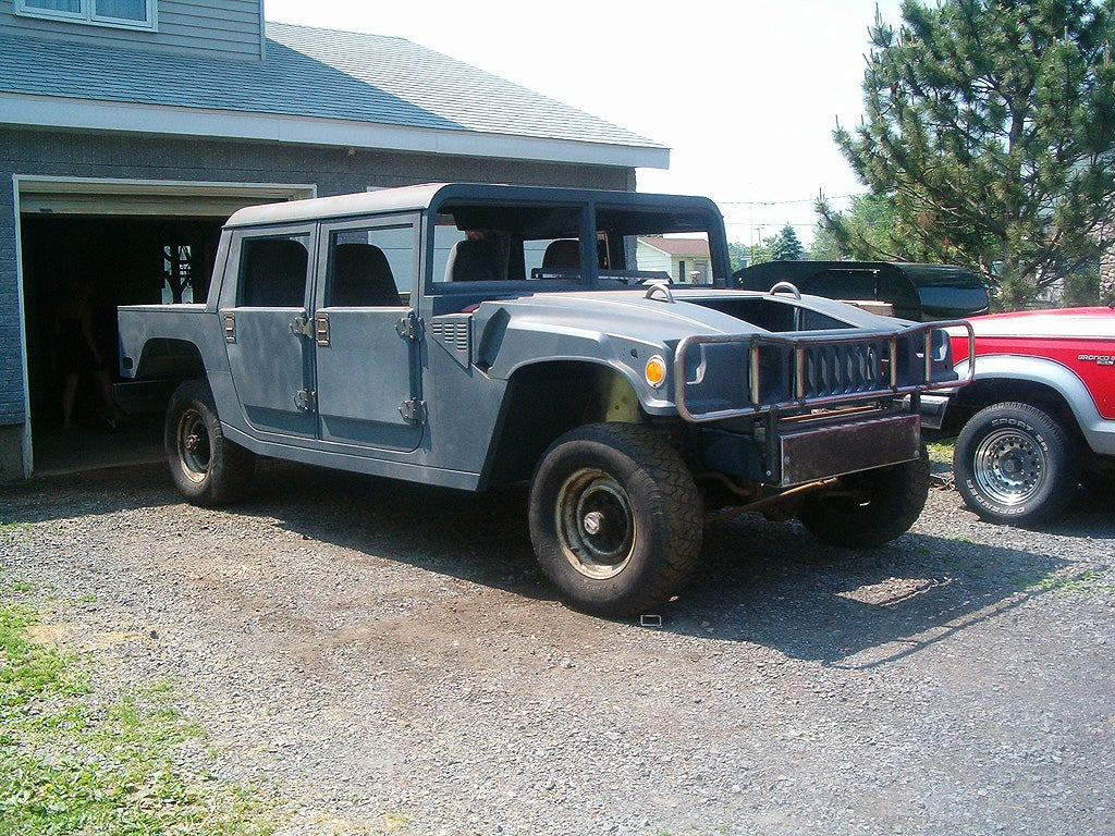 Extrem Man Hand-Building Hummer H1 From Ford Scraps GZ56