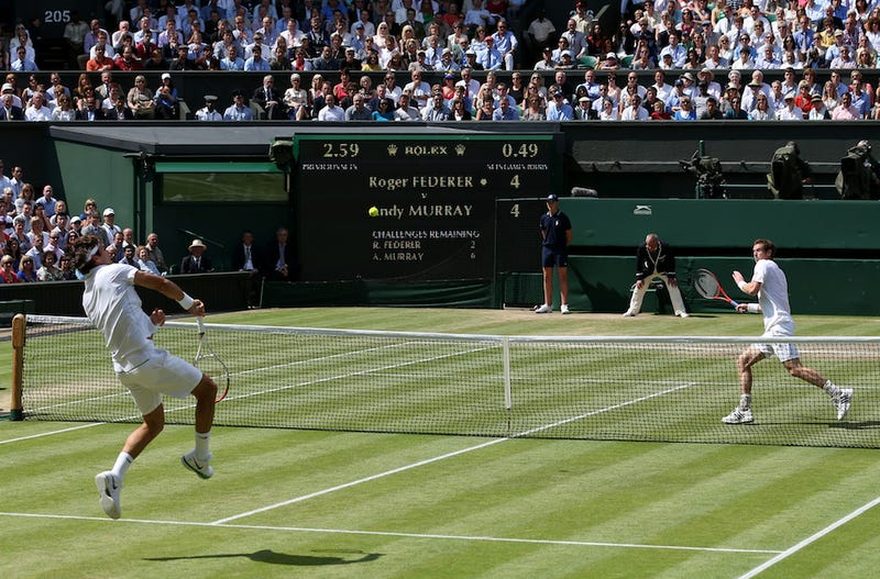 Illustration for article titled Roger Federer And Andy Murray Head Into Third Set Tied At One Set Apiece